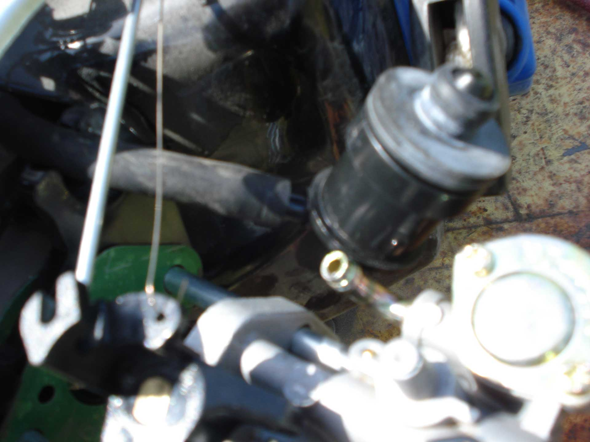 """Honda clone"""" chinese carb – partial disassembly and cleaning (with"""