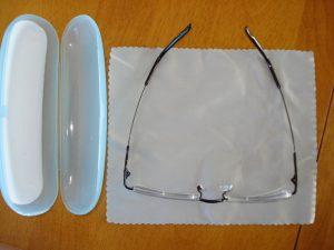 Zenni glasses de-cased